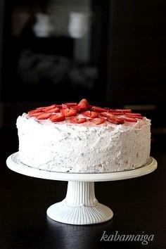 Tort jagodowo-truskawkowy