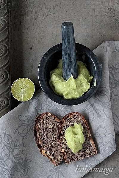 Guacamole i grzanki