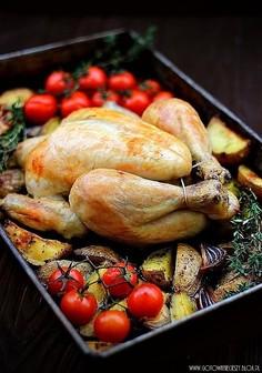 Kurczak pieczony z ziołowymi ziemniakami