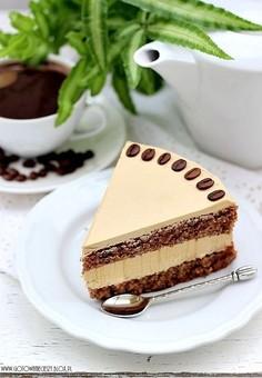 Tort kawowo orzechowy
