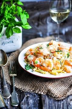 Spaghetti z krewetkami w białym winie