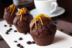 Muffinki czekoladowe z lukrem czekoladowo-pomarańczowym