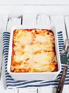 Cannelloni z brokułami w sosie pomidorowym