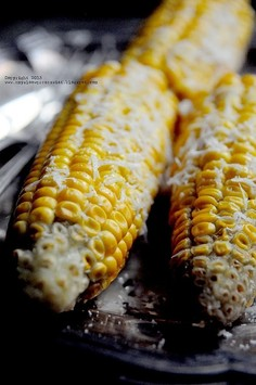 Gotowana kukurydza z masłem i pecorino