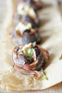 Figi zapiekane z kozim serem i bekonem