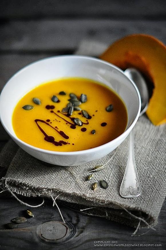 Pikantna zupa dyniowa
