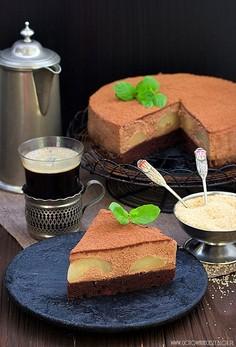 Ciasto czekoladowe z musem i gruszkami
