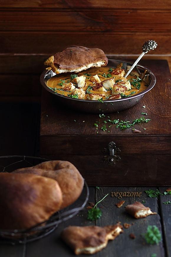 Panir w pikantnym sosie orzechowo-pomidorowym ()