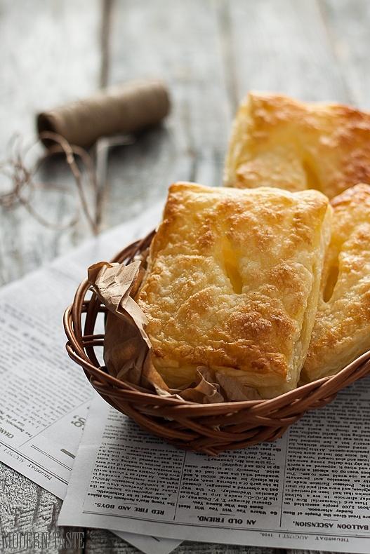 Drożdżówki francuskie z serem