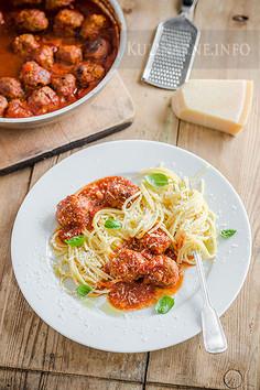 Klasyczne spaghetti z klopsikami