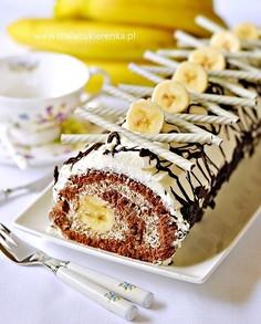 Rolada z bananami i czekoladą