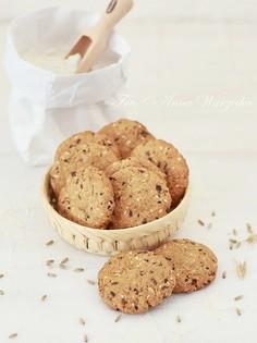 Żytnie kruche ciasteczka z ziarenkami