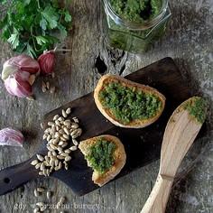 Pesto ze słonecznika i zielonej pietruszki