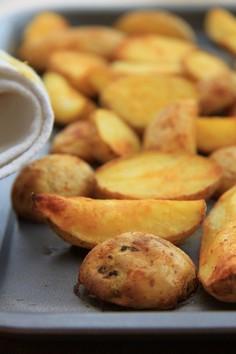 Ziemniaki pieczone z kurkumą i pieprzem kajeńskim