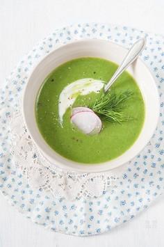 Zupa krem ze szpinaku z bazylią i koperkiem