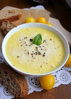 Zupa krem z żółtych pomidorów koktajlowych