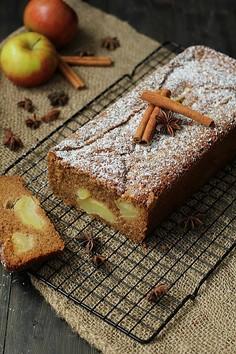 Jesienne ciasto z jabłkami i cynamonem