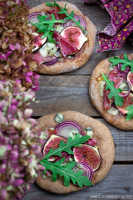 Pełnoziarniste pizze z figami