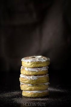 Dyniowe donuts z klonowym kremem
