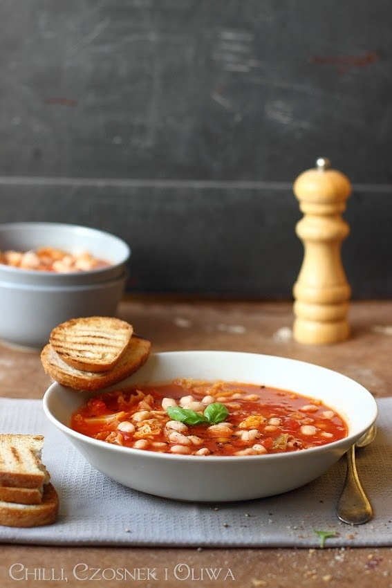 Ekspresowa zupa na jesień, z kapustą i fasolą