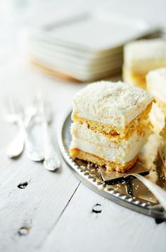 Ciasto śnieżna beza z kokosem