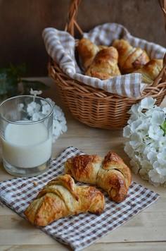 Croissanty na zakwasie