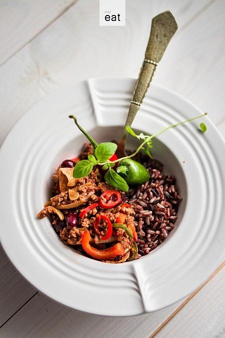 Chili con carne z czerwonym ryżem
