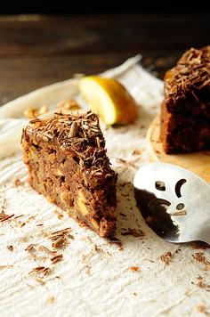 Ciasto czekoladowe z rumowymi jabłkami