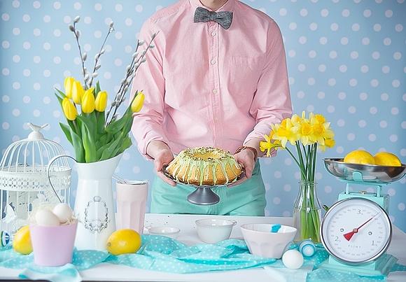 Wielkanocna, miętowa babka z pistacjami