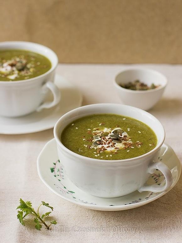 Włoska Primavera - zupa z młodej pokrzywy i rukoli