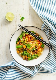 Stri fry z groszkiem cukrowym i tofu