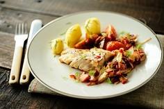 Ryba i chutney z rabarbarem i fenkułem