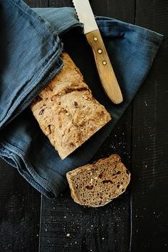 Chleb wieloziarnisty z żurawiną