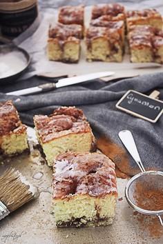 Nakłuwane ciasto drożdżowe a'la cinnamon roll