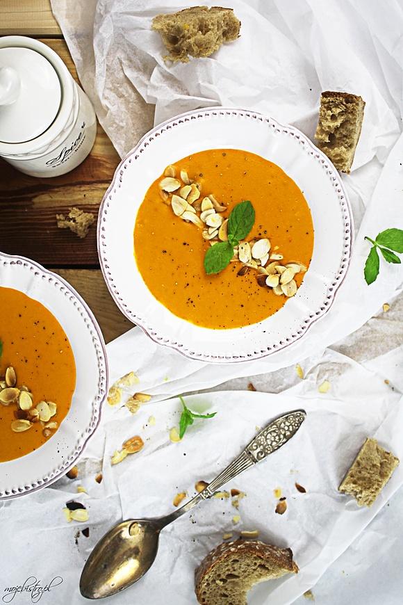 Kokosowa zupa z pieczonej dyni