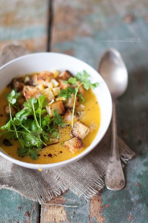 Jesienna zupa ziemniaczano - dyniowa