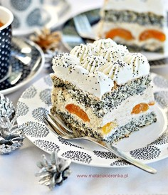 Ciasto Makowa Panienka z morelami i orzechami