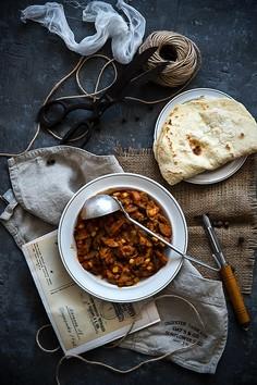 Słodko-kwaśne curry z kurczaka, z chlebkami naan domowej roboty