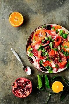 Cytrusowa sałatka z burakiem, fenkułem i łososiem