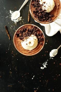 Mus czekoladowy z Baileys i kruszonką (bez jajek)