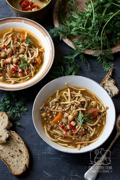 Egipska zupa z soczewicą, ciecierzycą i makaronem