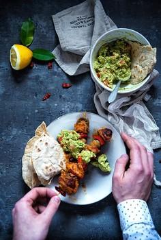 Paprykowe szaszłyki z guacamole