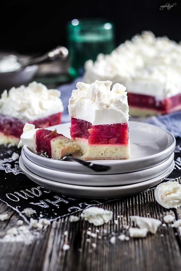 Ciasto rabarbarowe pod pierzynką