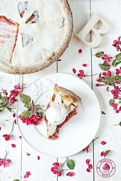 Tarta z rabarbarem i malinami