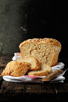 Pełnoziarnisty chleb pszenny bez wyrabiania