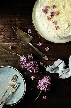 Ciasto rabarbarowo-truskawkowe z białą czekoladą