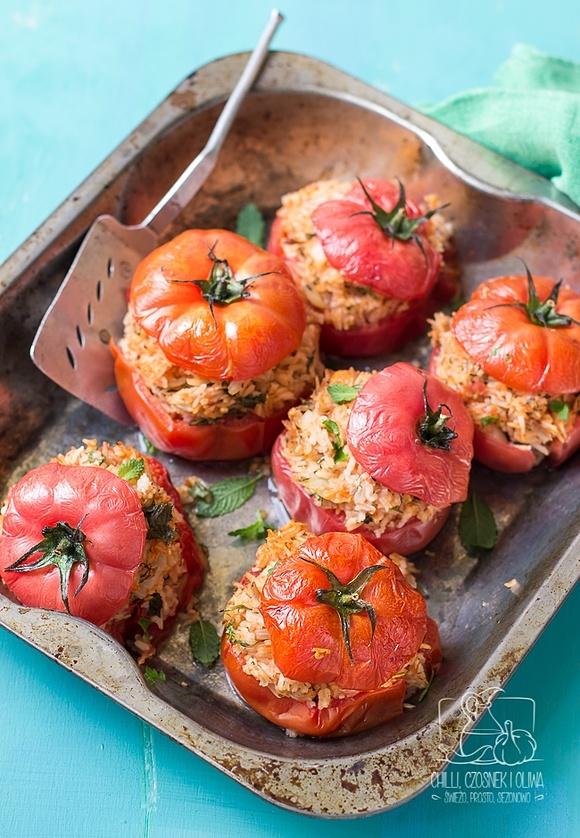 Pomidory faszerowane ryżem i tuńczykiem