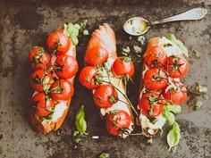 Pieczone pomidorki na grzance