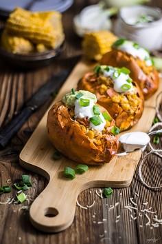 Nadziewane słodkie ziemniaki z piekarnika