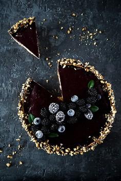 Zimowa tarta jagodowo-jeżynowa